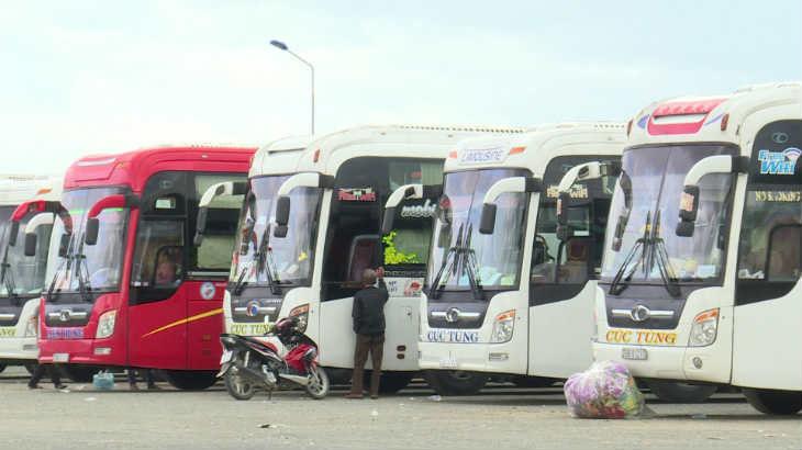 Xe Cúc-Tùng đi Hội An từ Nha Trang